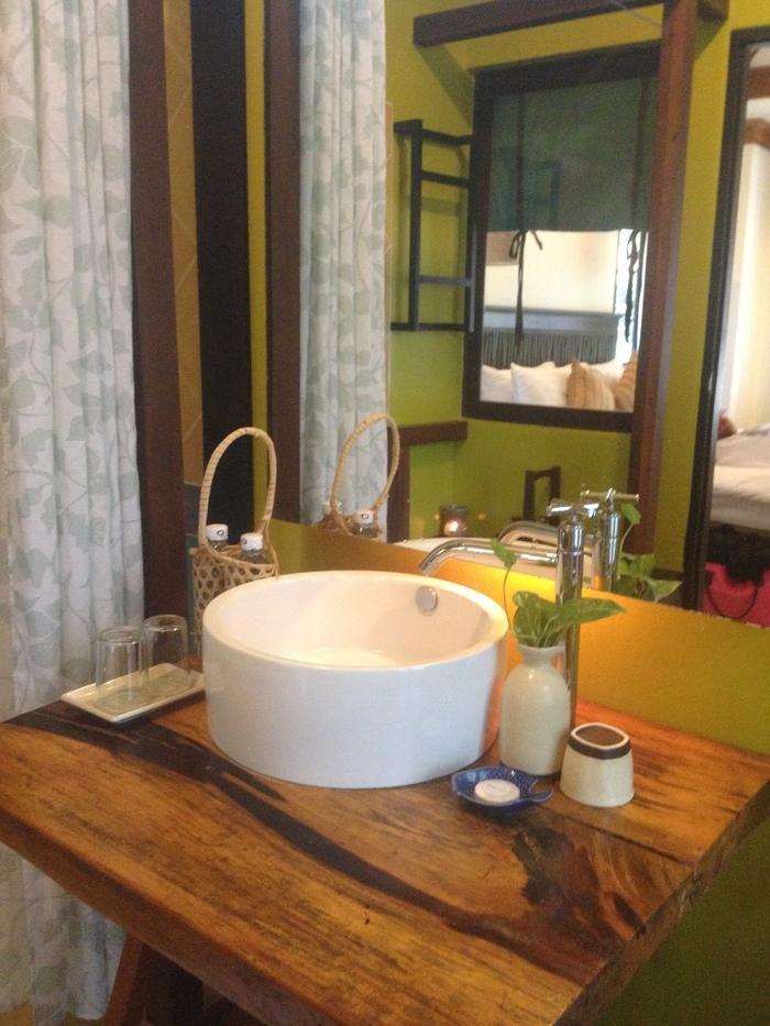 bathroom_at_peace_resort_koh_samui