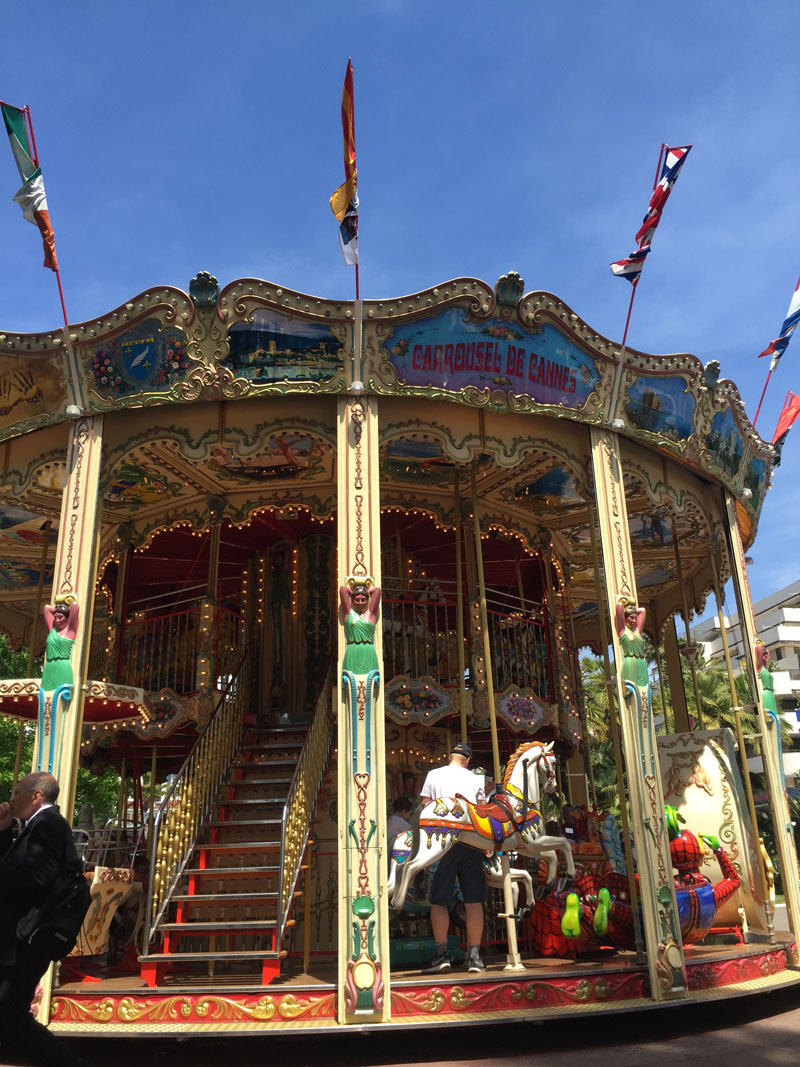Carousel-in-Cannes
