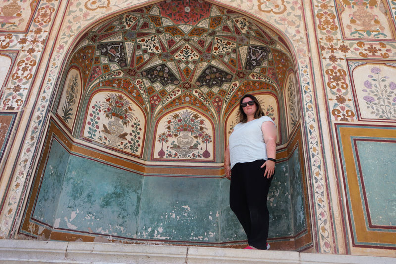 Bethaney at the Amber Fort in Jaipur, India